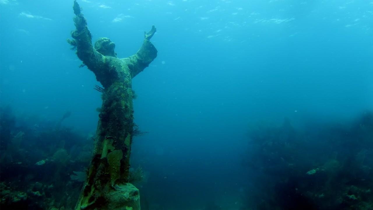 Christ Under Sea